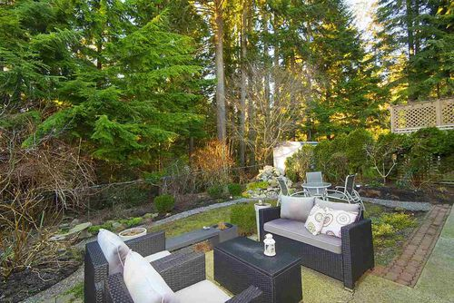 7b1cabc21f750dc987d012503a36f99c at 1515 Jubilee Court, Indian River, North Vancouver