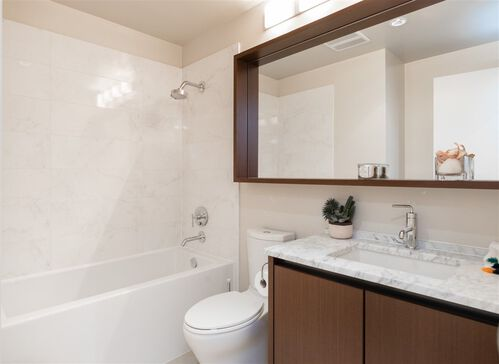 8188d8c6228e89728cfe297cf5bf1ac4 at 208 - 135 W 2nd Street, Lower Lonsdale, North Vancouver