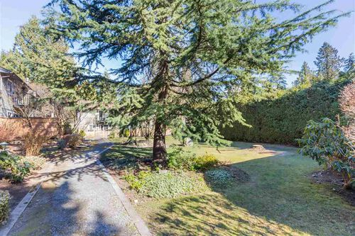 95b035c6e6101e6cf4dc647495bc2121 at 2627 Fromme Road, Lynn Valley, North Vancouver