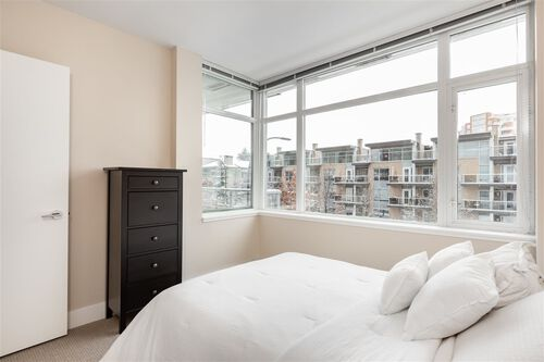 25f092bf5432bba3850f469cce88c785 at 202 - 1320 Chesterfield Avenue, Central Lonsdale, North Vancouver
