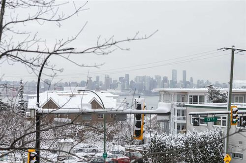 6194fb2fd642a4d42ba773b2563b22dd at 202 - 1320 Chesterfield Avenue, Central Lonsdale, North Vancouver