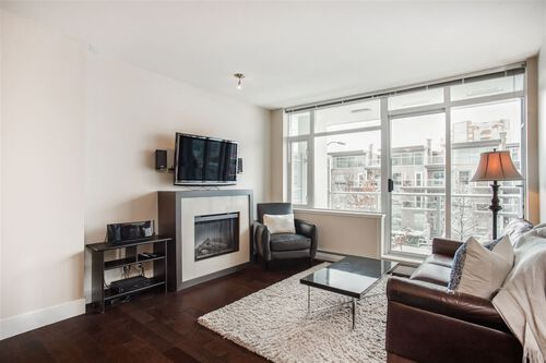 d684b782d6d53918f5ff954395f54c6a at 202 - 1320 Chesterfield Avenue, Central Lonsdale, North Vancouver