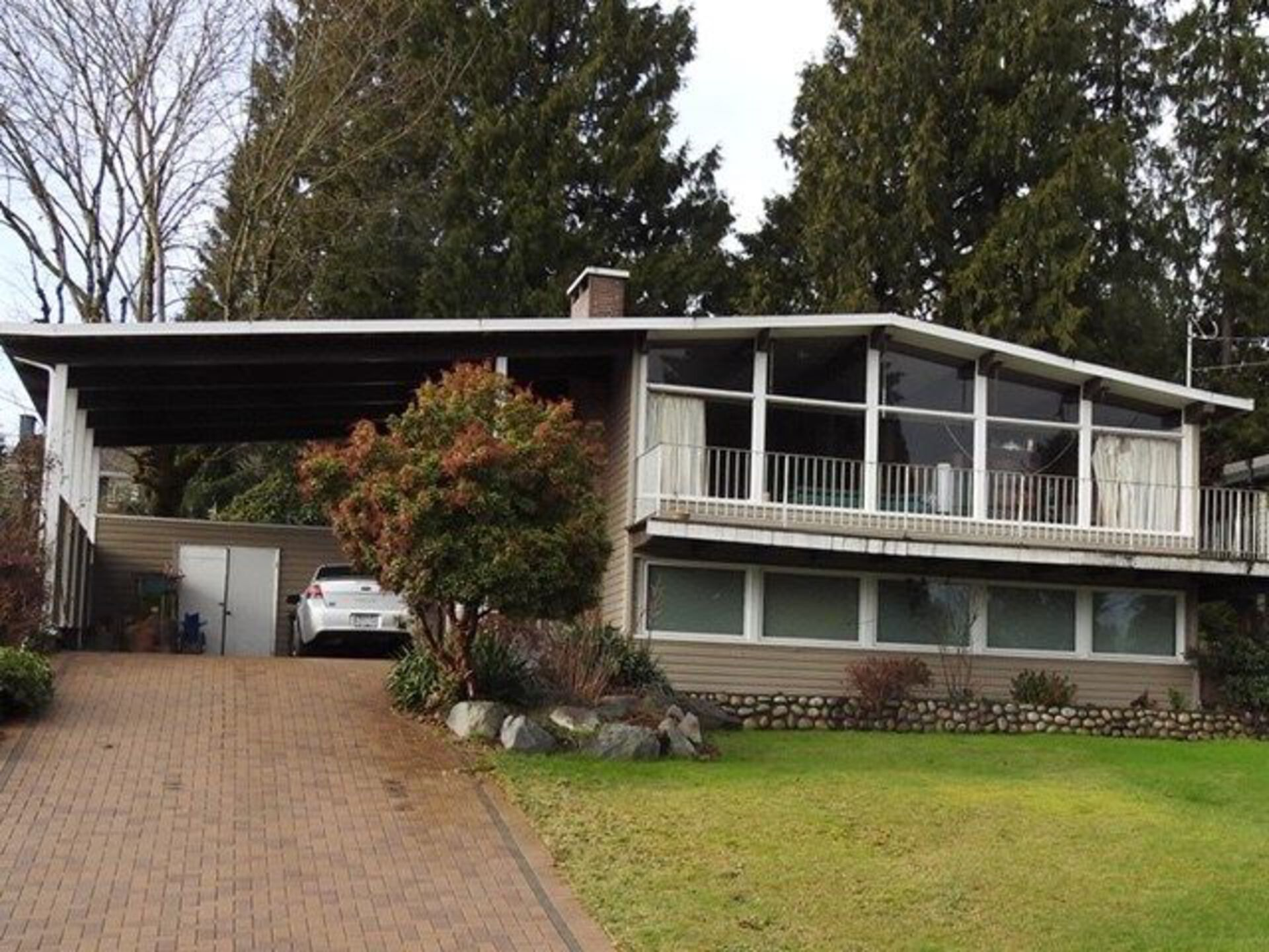 2095 Greylynn Crescent, Westlynn, North Vancouver photo number 1