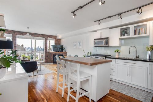 70e72f454398862de382afc9925c3840 at 405 - 122 E 3rd Street, Lower Lonsdale, North Vancouver