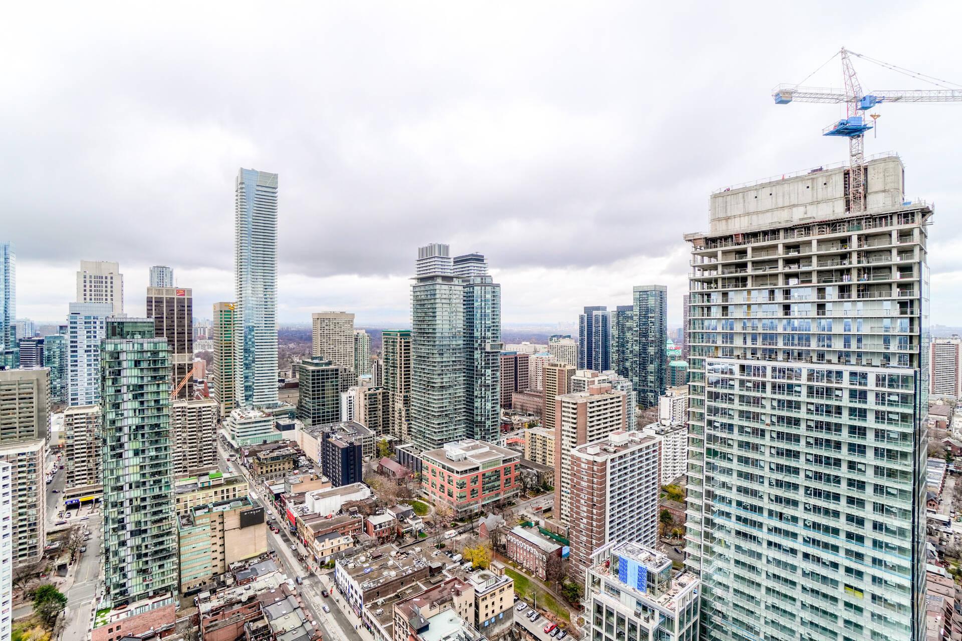 45 at 3809 - 5 St. Joseph Street, Bay Street Corridor, Toronto