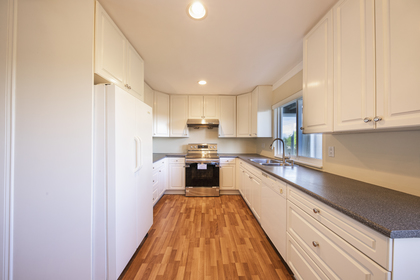 kitchen_002 at 997 Cross Creek Road, British Properties, West Vancouver