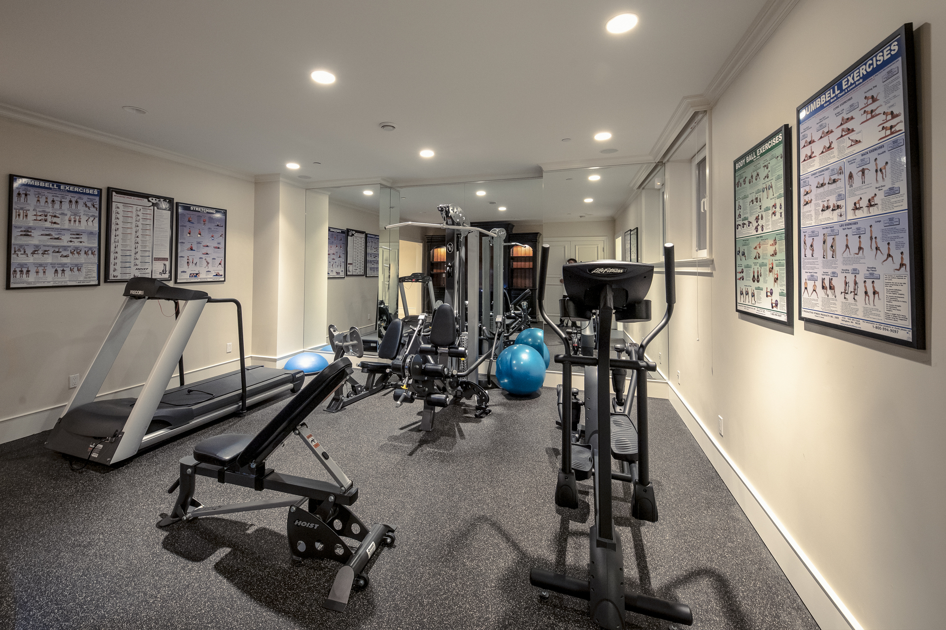 gym at 835 Eyremount Drive, British Properties, West Vancouver
