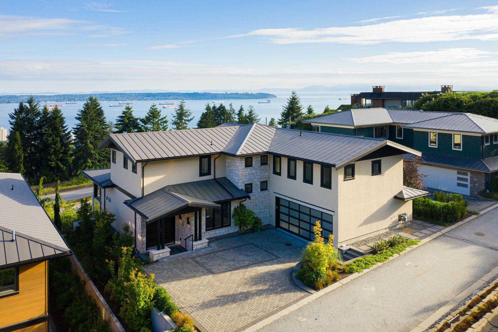 2111 Union Court, Panorama Village, West Vancouver