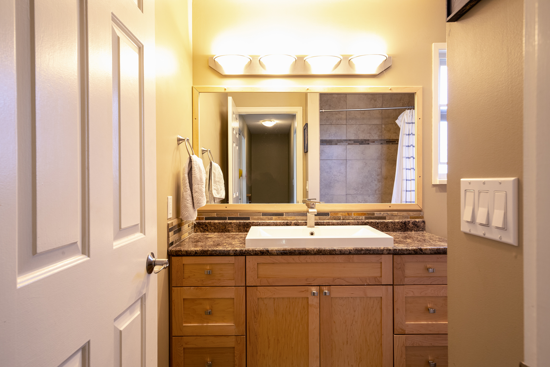 bathroom_001 at 20416 90 Crescent, Walnut Grove, Langley