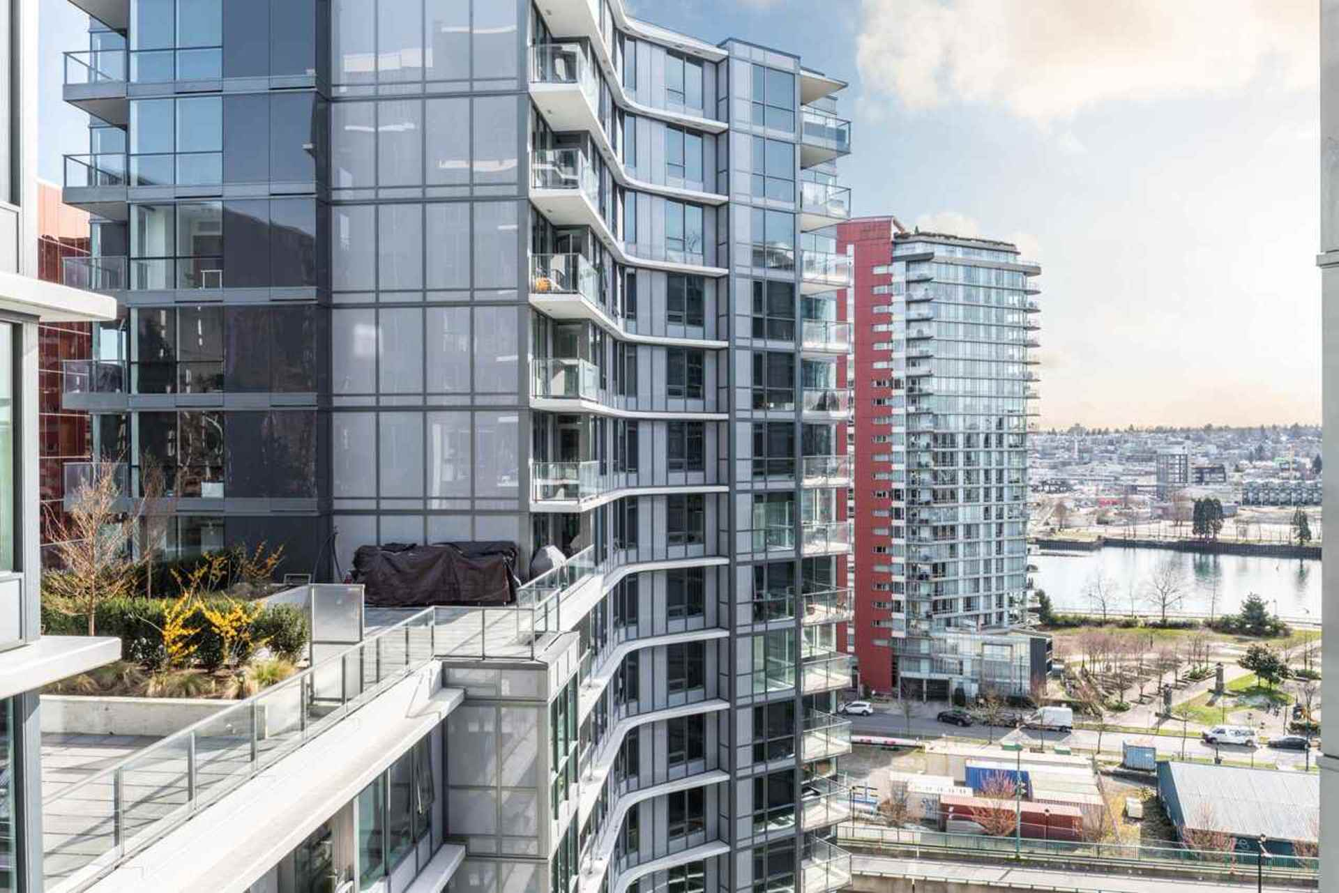 262263124-10 at #1502 - 68 Smithe Street, Downtown VW, Vancouver West