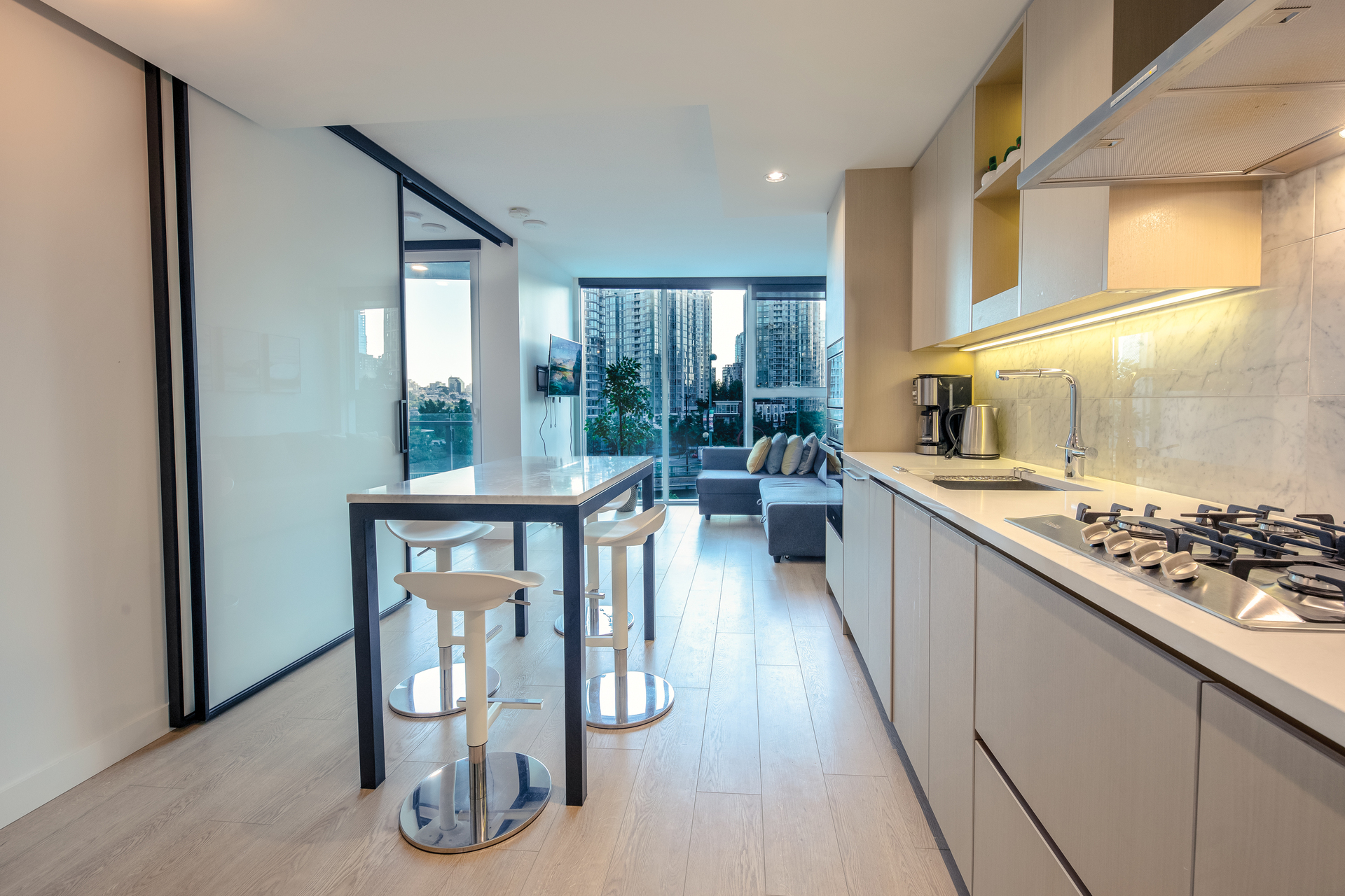 586 - 87 Nelson Street, Yaletown, Vancouver West 3