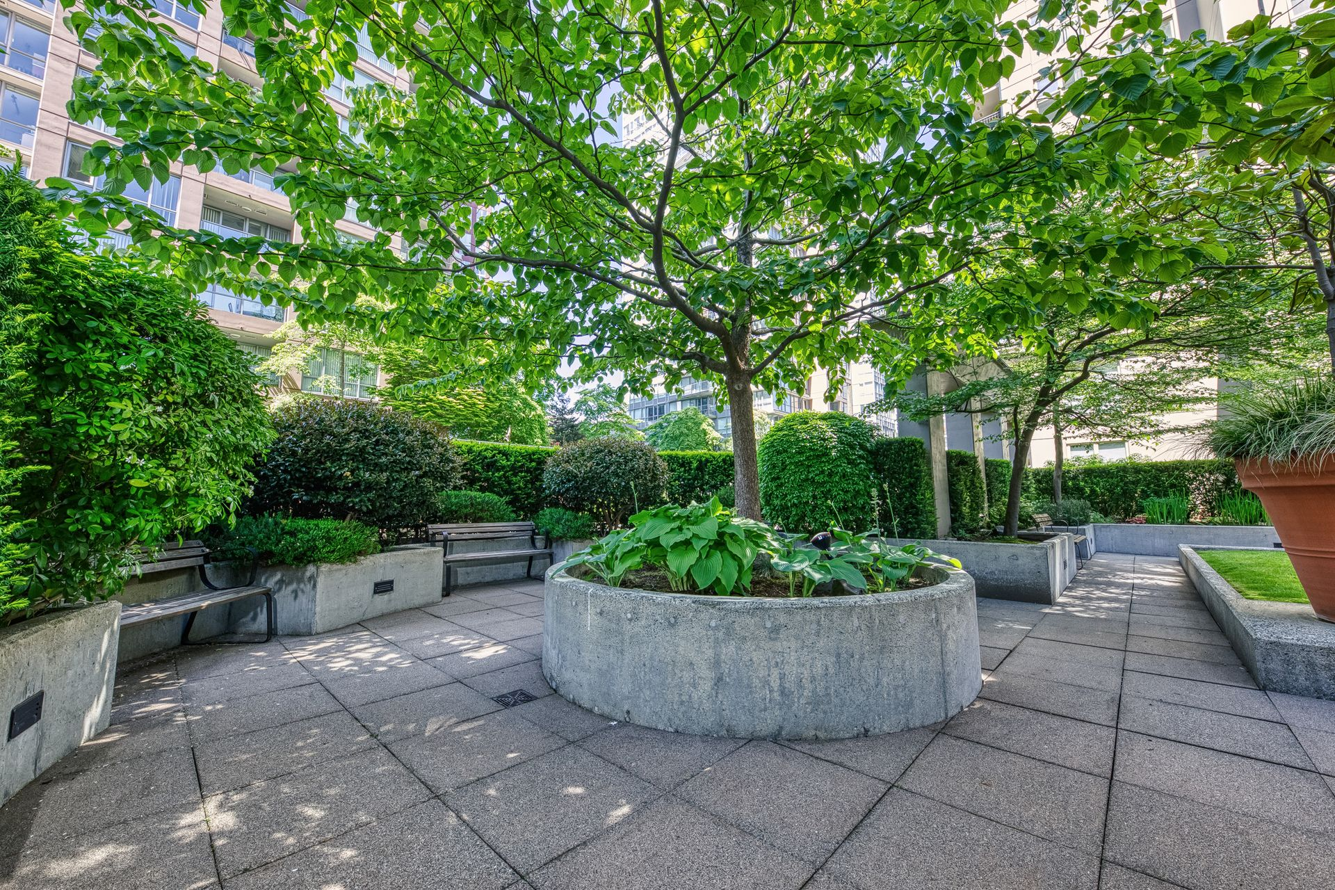 courtyard_002 at TH8 - 989 Richards Street, Downtown VW, Vancouver West