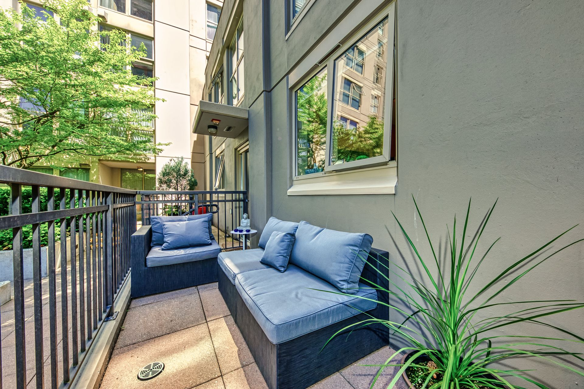 patio_001 at TH8 - 989 Richards Street, Downtown VW, Vancouver West