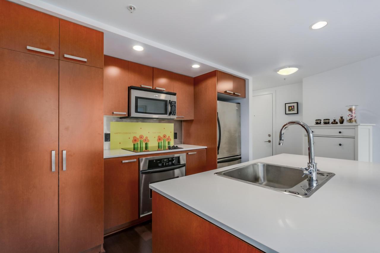 The Elan - 908-1255 Seymour - Kitchen close up at 908 - 1255 Seymour Street,