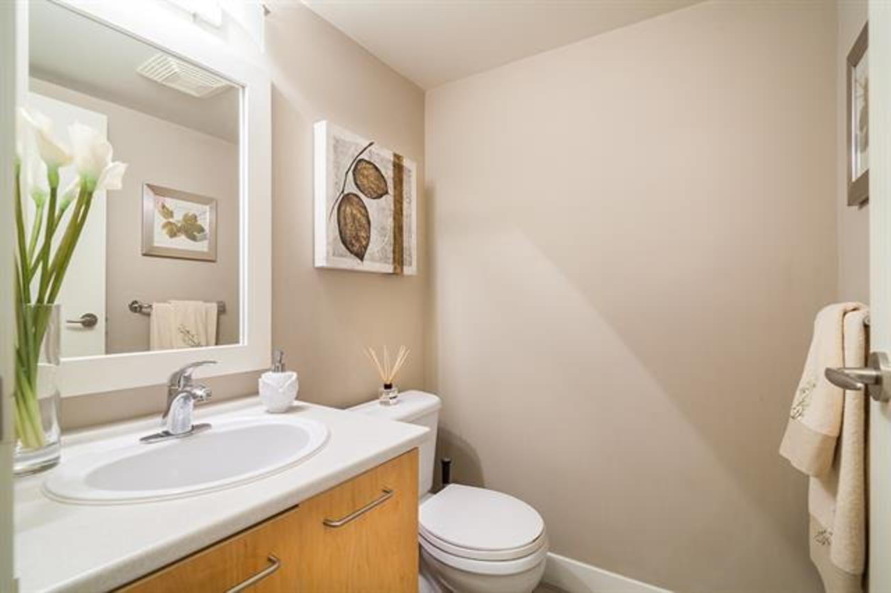 6-9339 Alberta Road - Bathroom at 6 - 9339 Alberta Road, McLennan North, Richmond