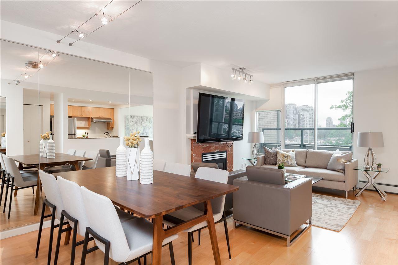 317-1228 Marinaside Crescent - Living Room at 317 - 1228 Marinaside Crescent, Yaletown, Vancouver West