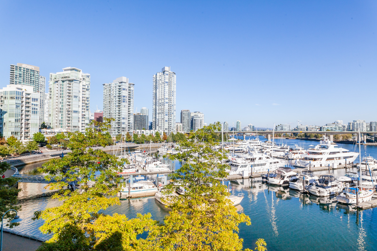 317-1228 Marinaside Crescent - View at 317 - 1228 Marinaside Crescent, Yaletown, Vancouver West
