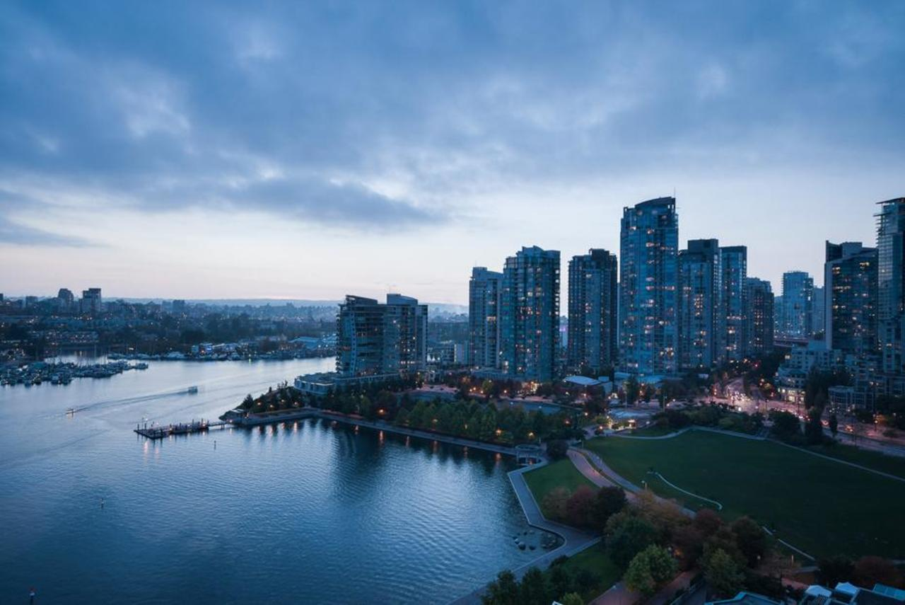 David Lam Park at 2101 - 1328 Marinaside Crescent, Yaletown, Vancouver West