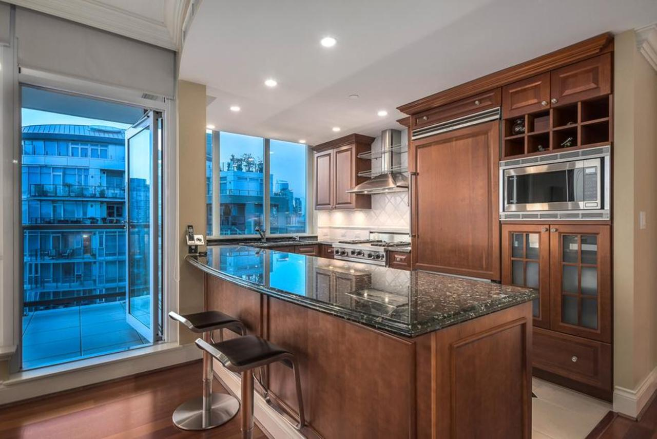Kitchen at 2101 - 1328 Marinaside Crescent, Yaletown, Vancouver West