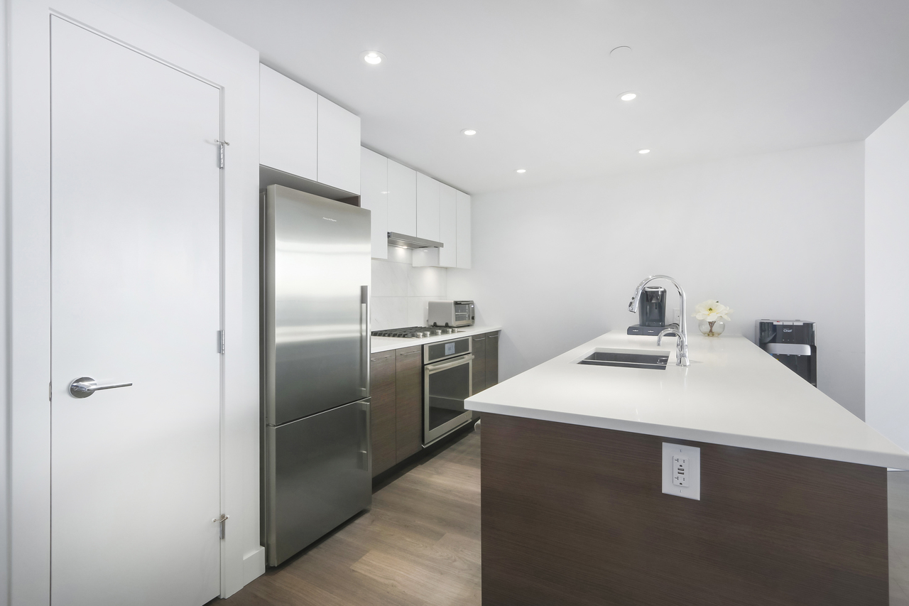 802-3557 Sawmill Crescent - Kitchen at 802 - 3557 Sawmill Crescent, Champlain Heights, Vancouver East