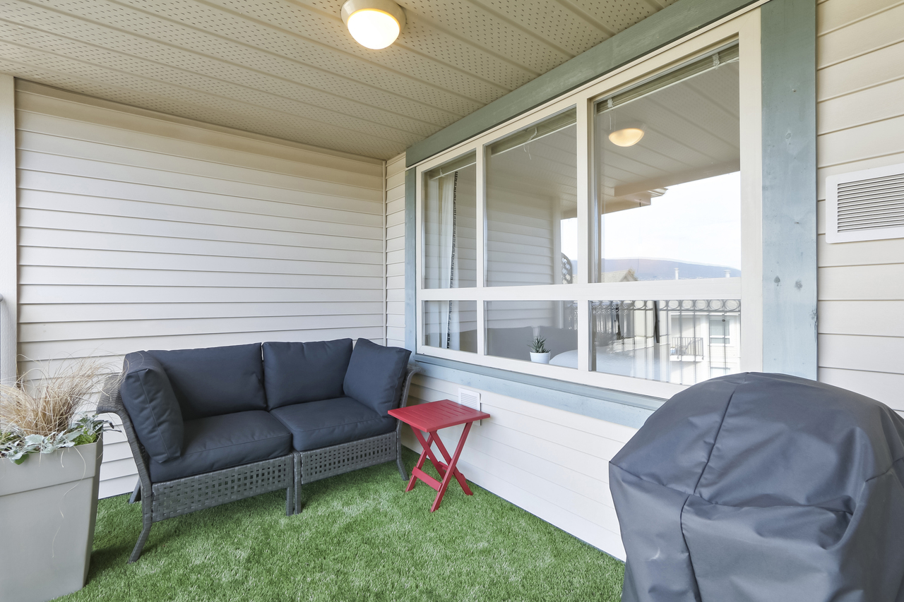 509-150 W. 22nd St - Patio at 509 - 150 W 22nd Street, Central Lonsdale, North Vancouver