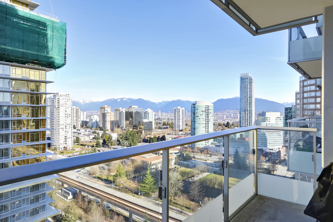 2207-6333 Silver Avenue - Covered Balcony at 2207 - 6333 Silver Avenue, Metrotown, Burnaby South