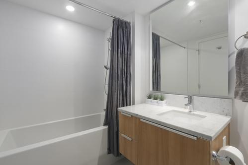 5808-6461 Telford Avenue - Bathroom at 5808 - 6461 Telford Avenue, Metrotown, Burnaby South
