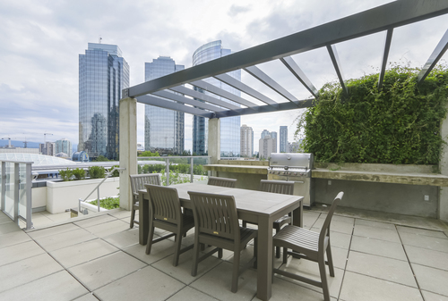 5808-6461 Telford Avenue - Outdoor Patio and BBQ at 5808 - 6461 Telford Avenue, Metrotown, Burnaby South
