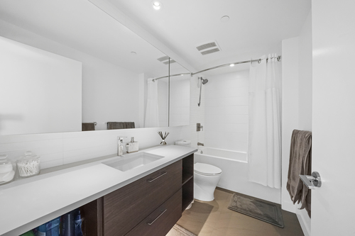 903-3557 Sawmill Crescent - Bathroom at 903 - 3557 Sawmill Crescent, South Marine, Vancouver East