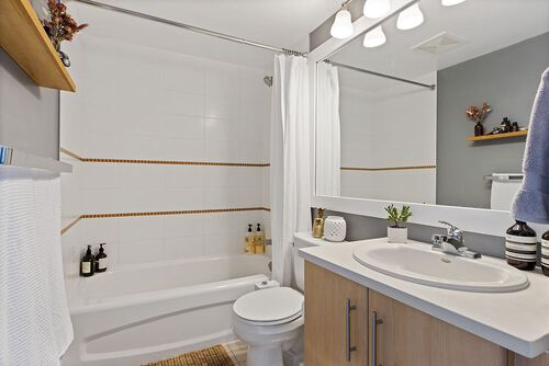 2901-3660 Vanness Ave - Bathroom at 2109 - 3660 Vanness Avenue, Collingwood VE, Vancouver East