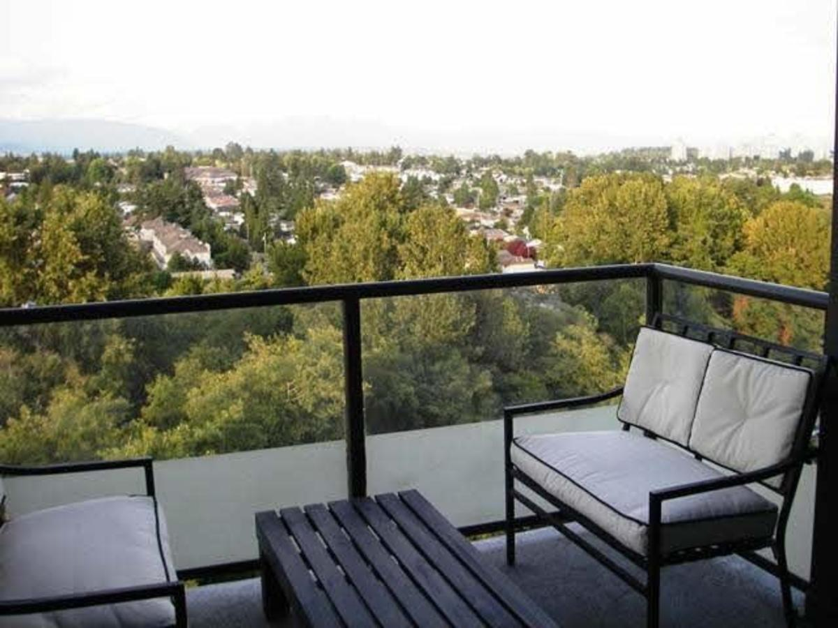 1706-7088 18th Ave Burnaby - Deck at 1706 - 7088 18th Avenue, Edmonds BE, Burnaby East