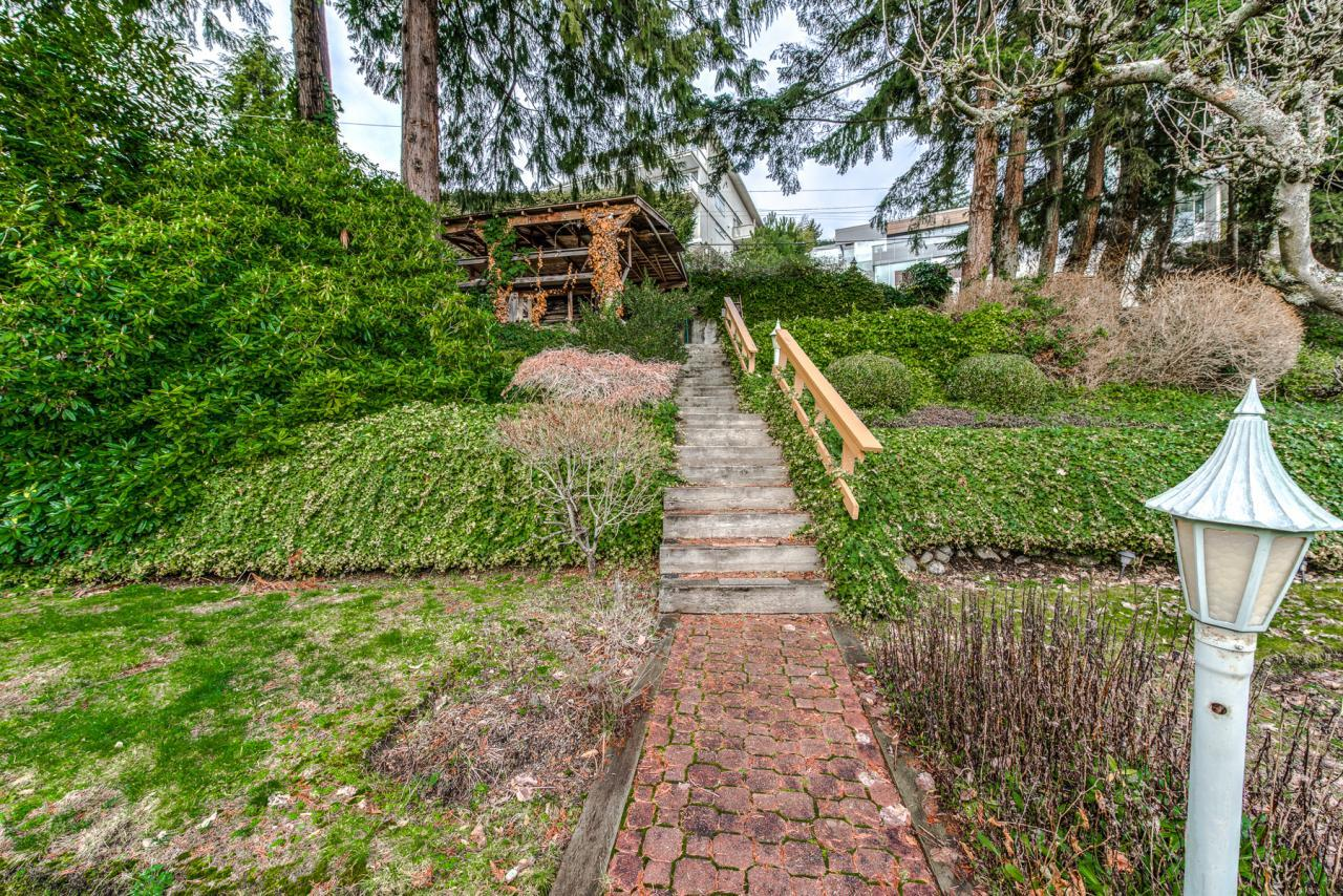 945 Keith Road - West Vancouver- Front yard at 945 Keith Road, Sentinel Hill, West Vancouver