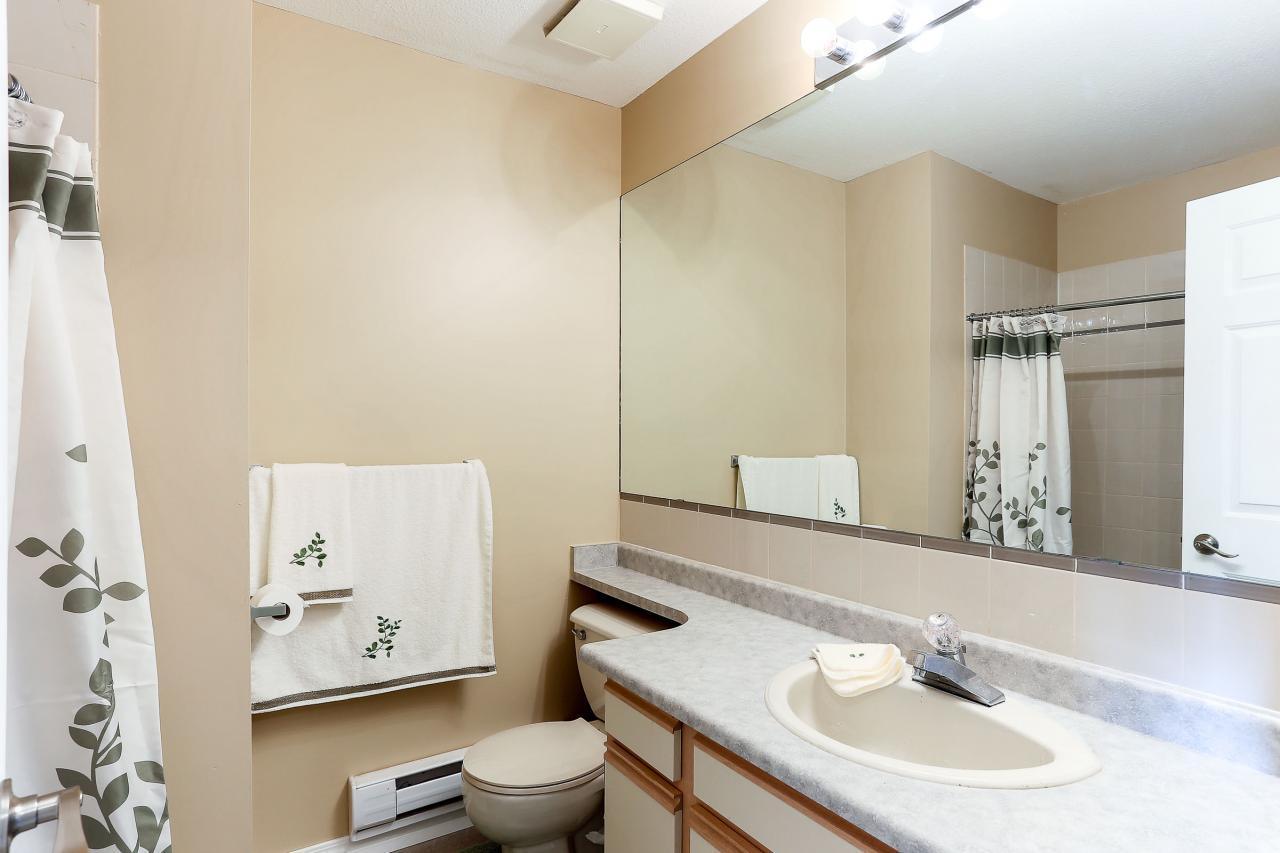 Main bathroom at 8 - 1872 Harbour Street, Citadel PQ, Port Coquitlam
