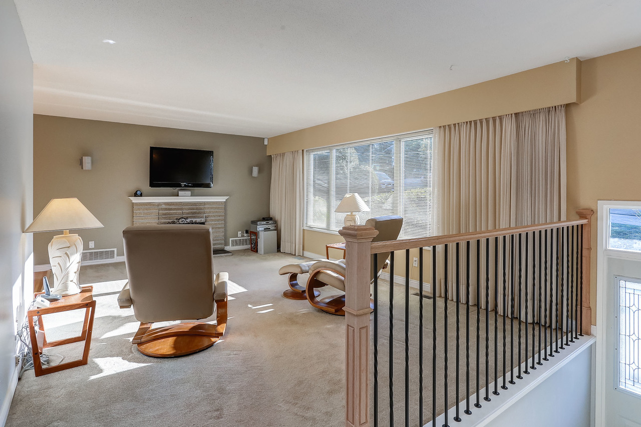 Photo-02 at 1579 Elinor Crescent, Mary Hill, Port Coquitlam