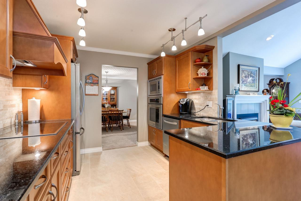Kitchen at 9 - 101 Parkside Drive, Heritage Mountain, Port Moody