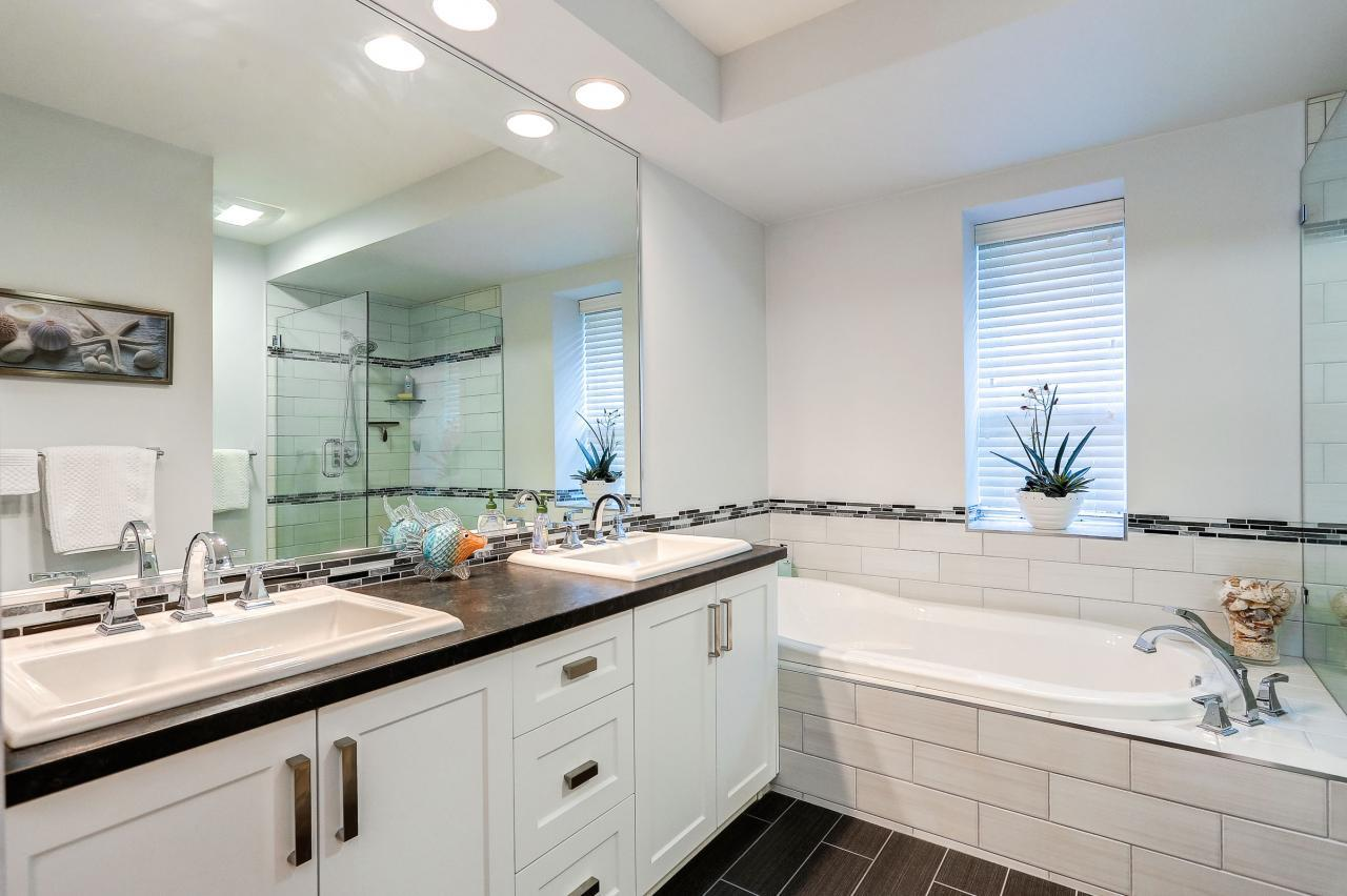 Renovated Ensuite at 9 - 101 Parkside Drive, Heritage Mountain, Port Moody