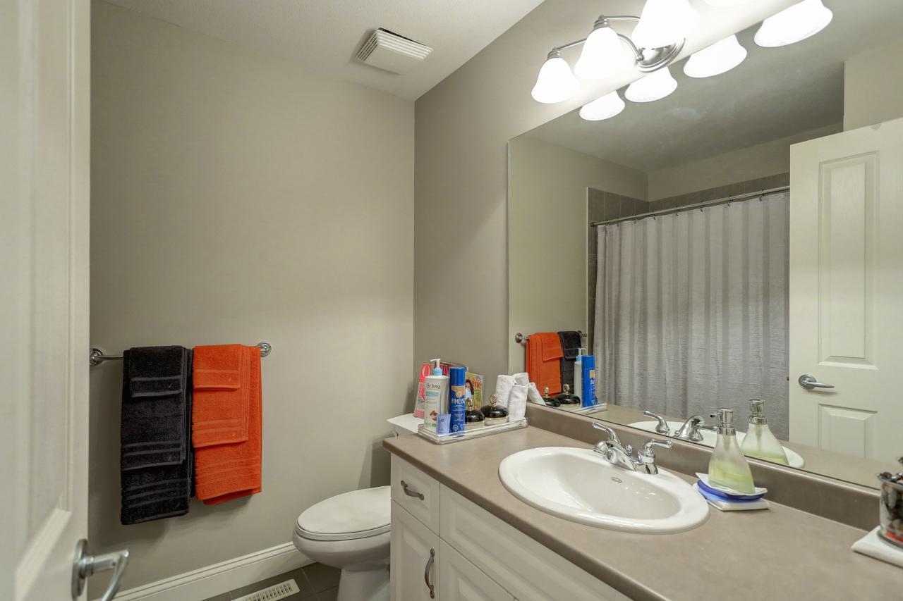 Upstairs Main Bathroom at 3301 Mctavish Court, Hockaday, Coquitlam