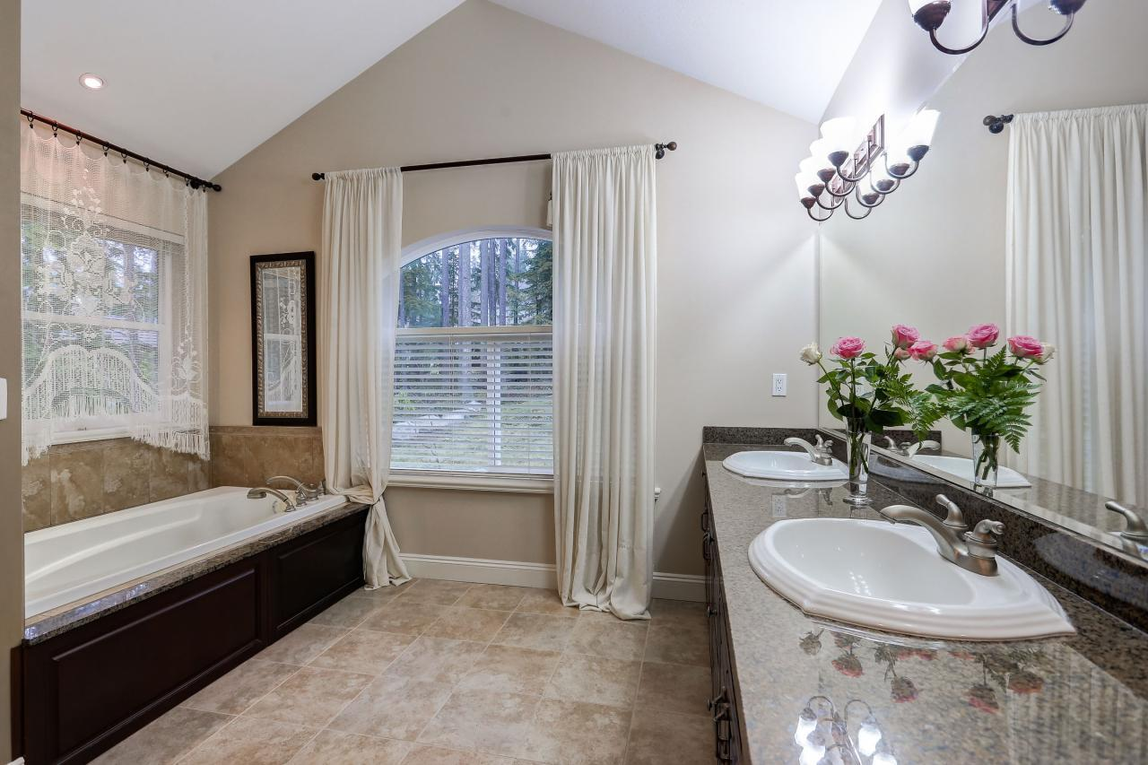 Ensuite at 1053 Ravenswood Drive, Anmore, Port Moody
