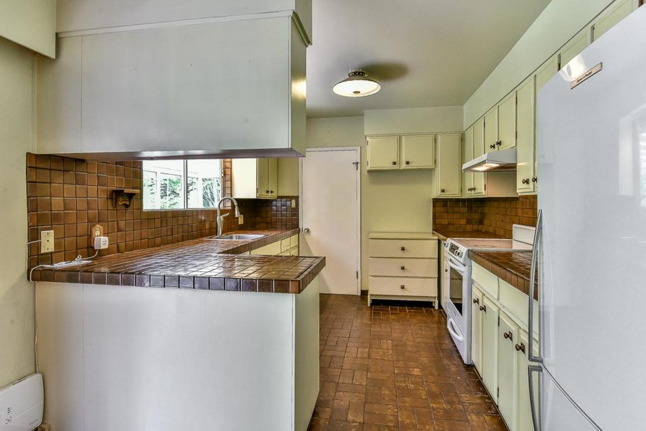 Kitchen at 924 Fresno Place, Harbour Place, Coquitlam