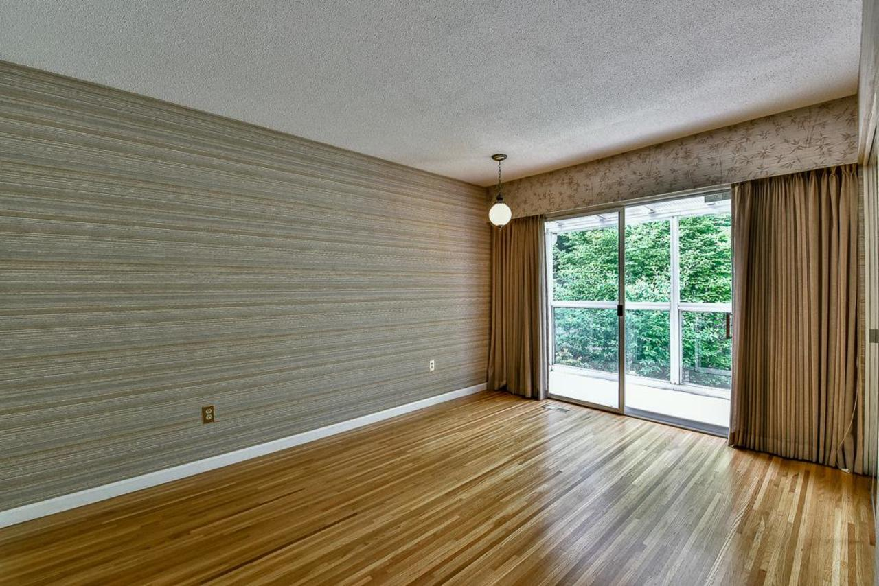 Master Bedroom with sliding glass doors opening to deck. at 924 Fresno Place, Harbour Place, Coquitlam