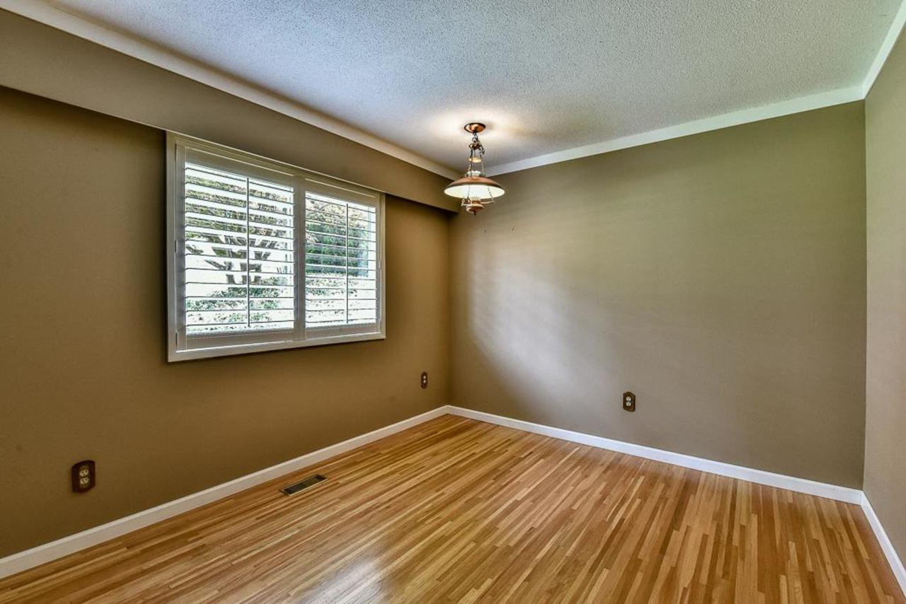 Another main floor bedroom. at 924 Fresno Place, Harbour Place, Coquitlam