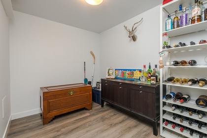 Den at 401 - 221 East 3rd Street, Lower Lonsdale, North Vancouver