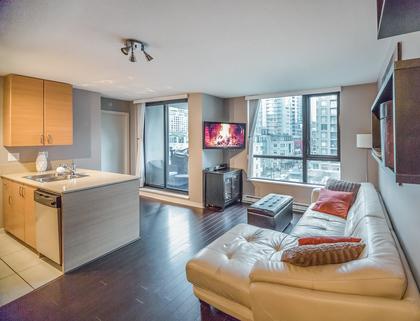 Living Room at 904 - 928 Homer Street, Yaletown, Vancouver West