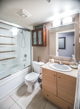 Bathroom at 904 - 928 Homer Street, Yaletown, Vancouver West