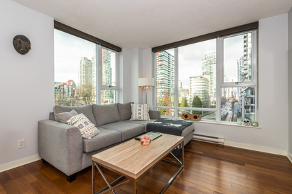 Living Room at 806 - 550 Pacific Street, Yaletown, Vancouver West