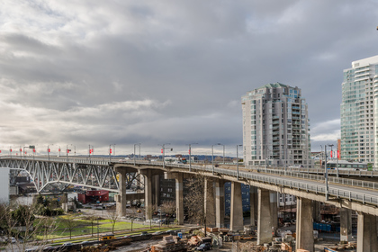Views to the South at 806 - 550 Pacific Street, Yaletown, Vancouver West