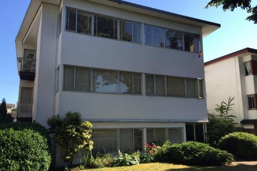 1440 West 71 St. Avenue, Marpole, Vancouver West photo number 2