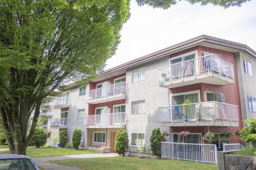 8635 Laurel Street, Marpole, Vancouver West photo number 2