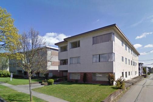 8680 Montcalm Street, Marpole, Vancouver West photo number 2