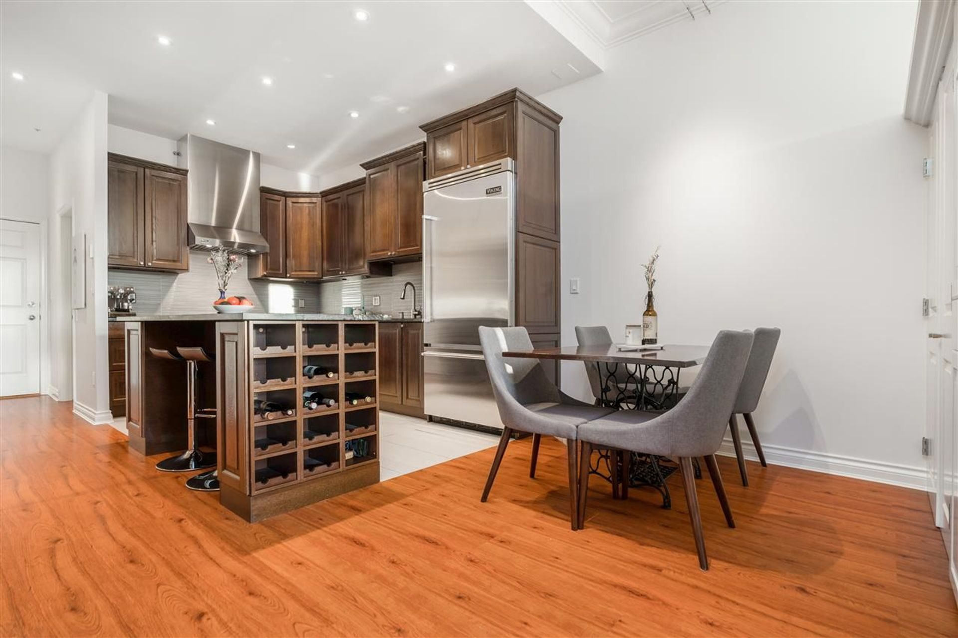 102 - 131 W 3rd Street, Lower Lonsdale, North Vancouver